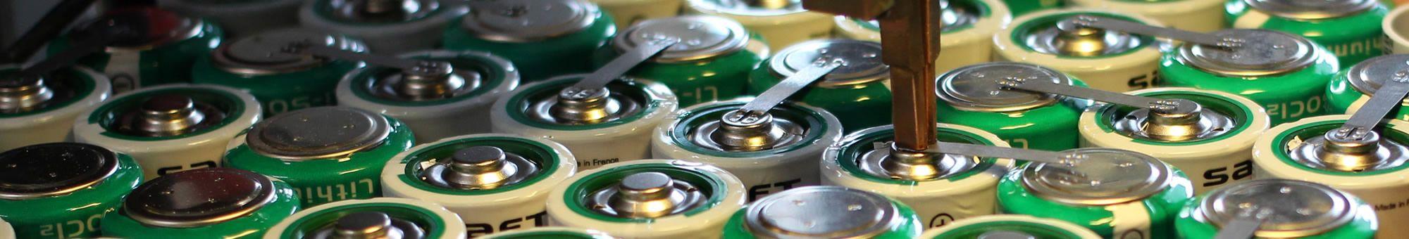 Assemblage de piles et accumulateurs